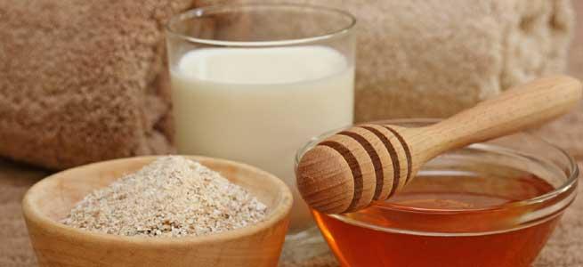 Walnut powder and milk cream