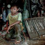 Save Child Labour Slogans | बाल श्रमिको को श्रम से बचाने के स्लोगन