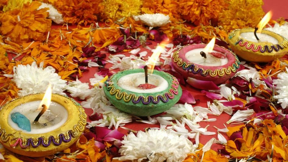 दिवाली के मौके पर प्यार भरे मेसेजिस | Diwali Greetings Messages in Hindi