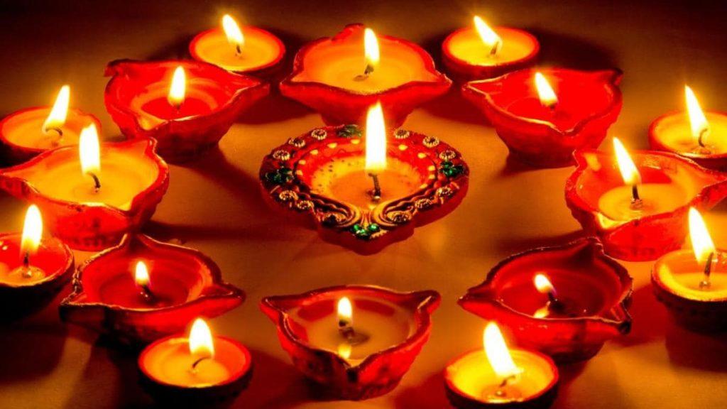 दिवाली पर निबंध   Hindi Essay On Diwali